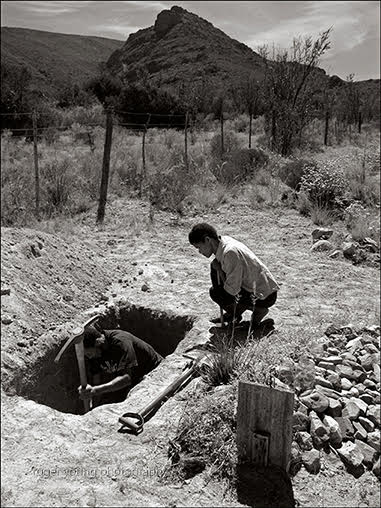 Roger Young, Grave Digger II, photograph, 550 x 430mm, R8700 (f), R7100 (uf)