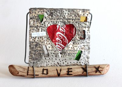 Standing Sign Coke Heart, 300x230mm, R150